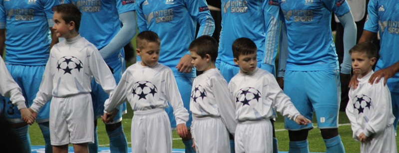 Child mascots in Marseille line up