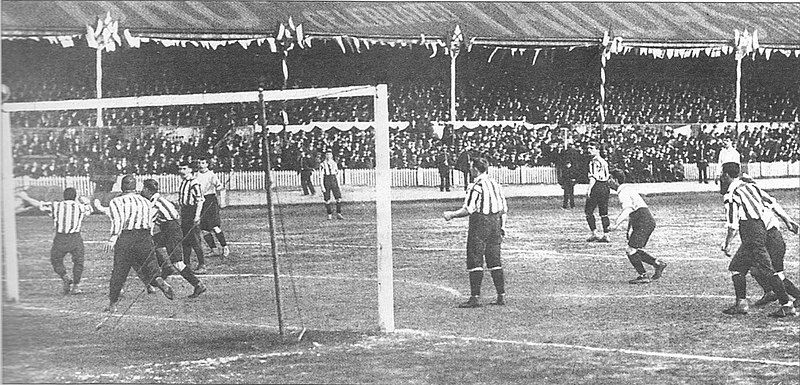 Tottenham Hotspur versus Sheffield United in the 1901 FA cup final replay at Burnden Park