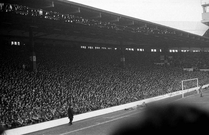 Standing in Football | History of the terrace, safety problems, disasters and reintroduction of standing areas | Football-Stadiums.co.uk