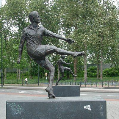 Coen Dillen Statue